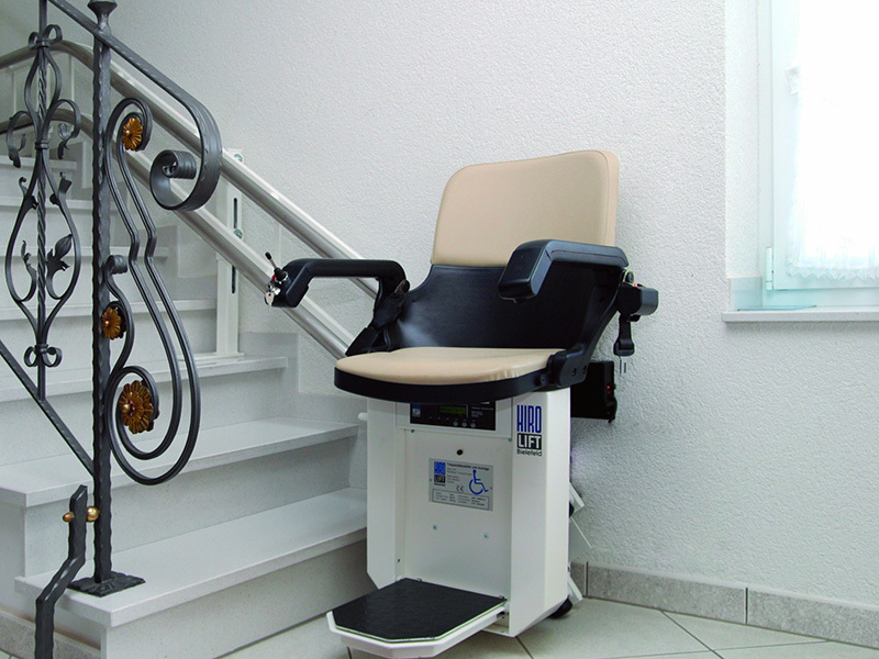 fauteuil monte escalier droit ou courbe haute savoie altica ascenseur