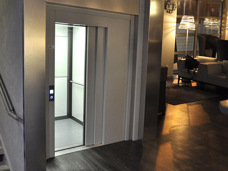 ascenseur handicap ascenseur privatif handicap plateforme l vatrice. Black Bedroom Furniture Sets. Home Design Ideas
